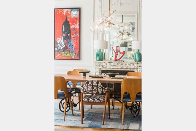 Un assortiment de chaises dépareillées vintage
