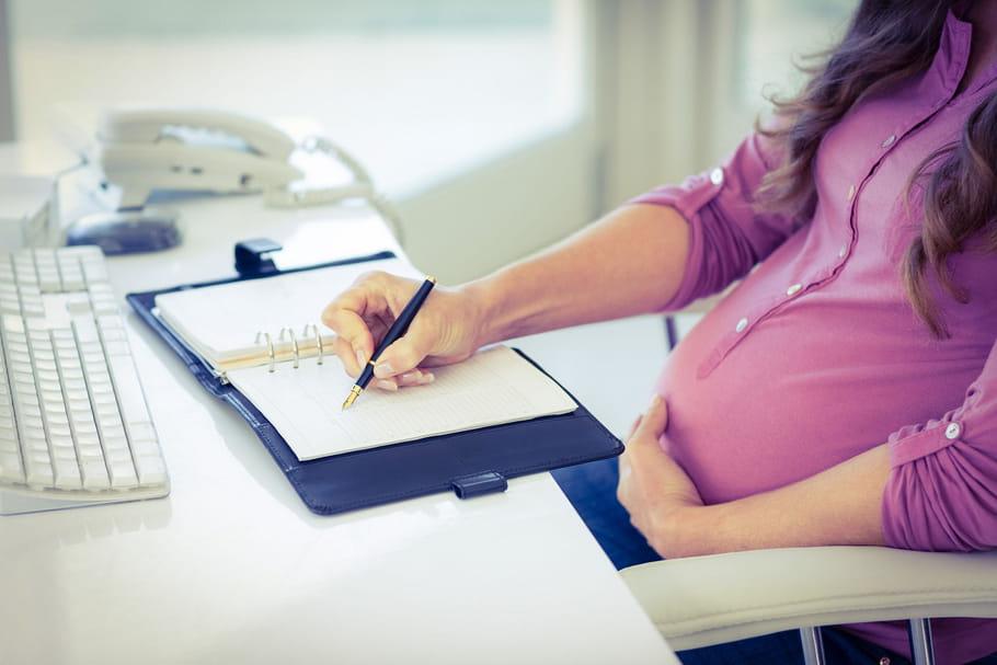 Un congé maternité unique pour toutes les femmes