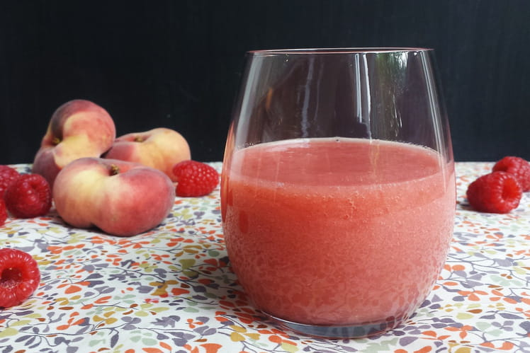 Smoothie pêches framboises