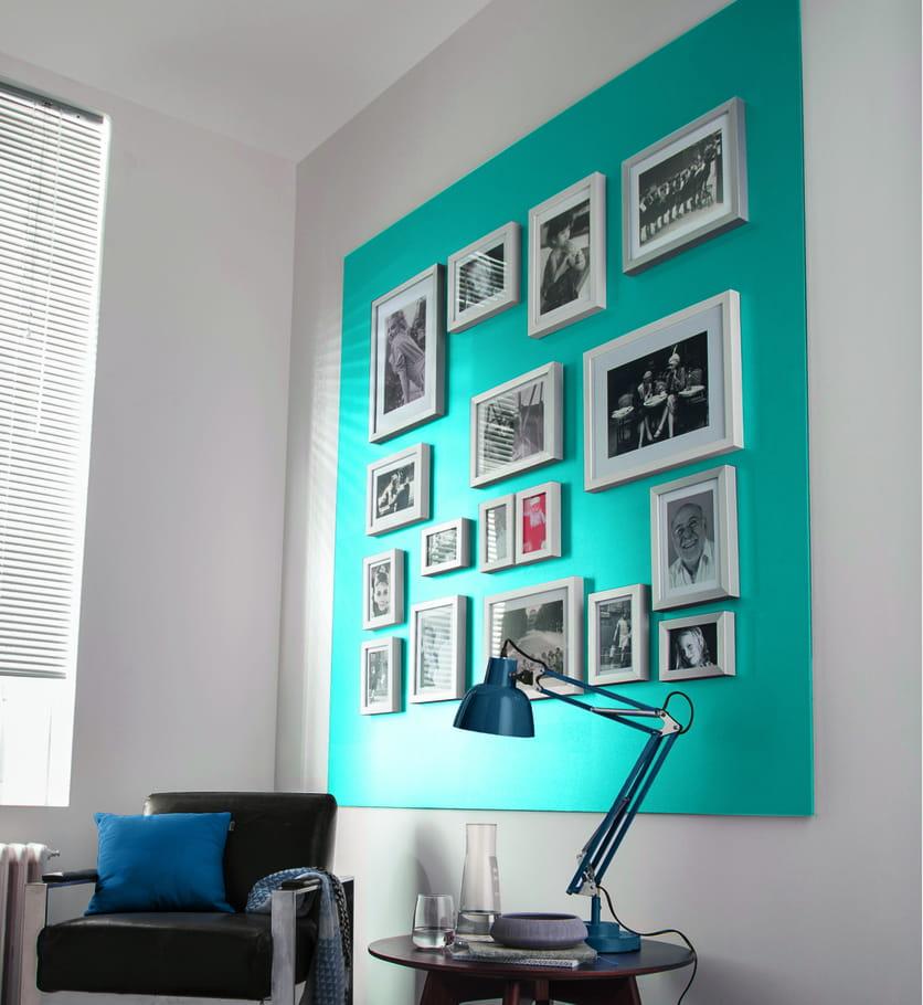 peinture bleu pacifique par castorama peinture bleue et verte de l 39 exotisme sur nos murs. Black Bedroom Furniture Sets. Home Design Ideas