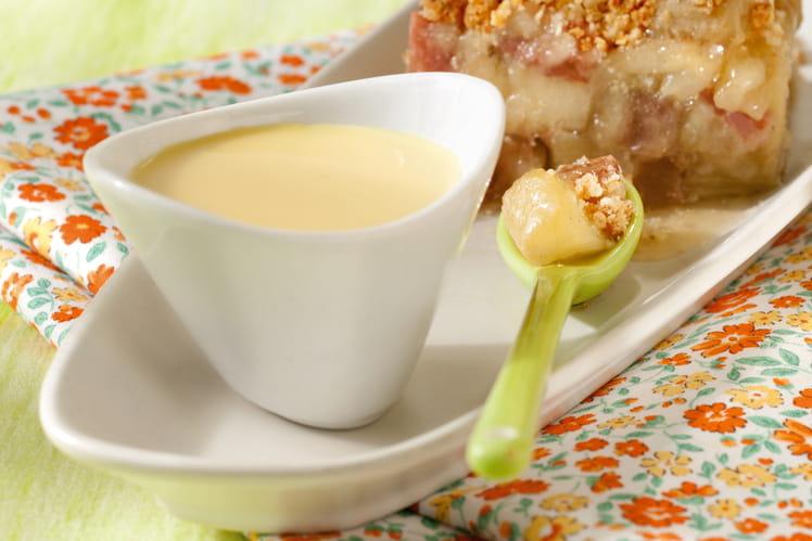 Crumble pomme-rhubarbe et sa crème anglaise