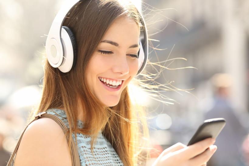 Perte auditive chez l'ado: une nouvelle norme pour les smartphones?