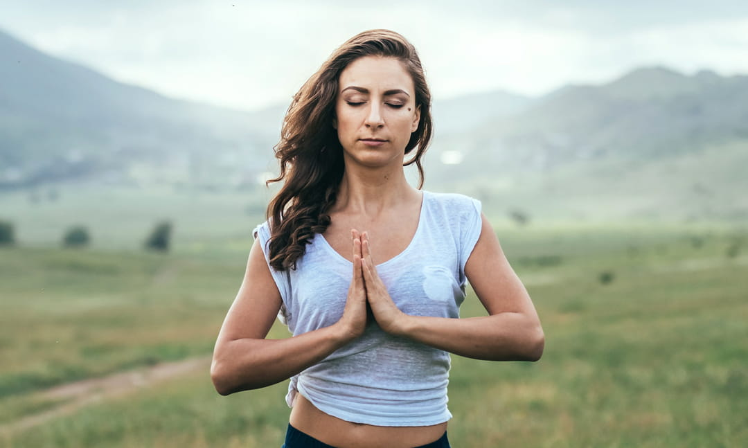 priere-hindoue-exercice-joli-buste