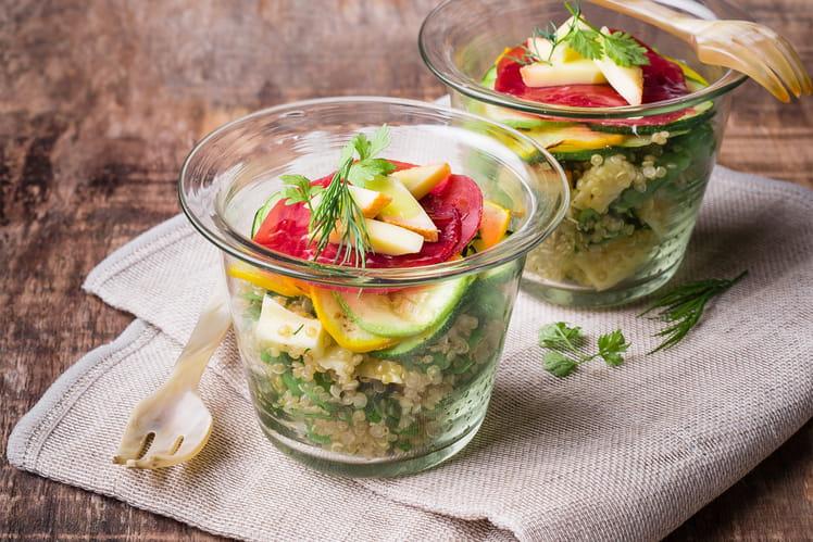 Salade de quinoa et Raclette, millefeuille de bresaola et courgettes grillées