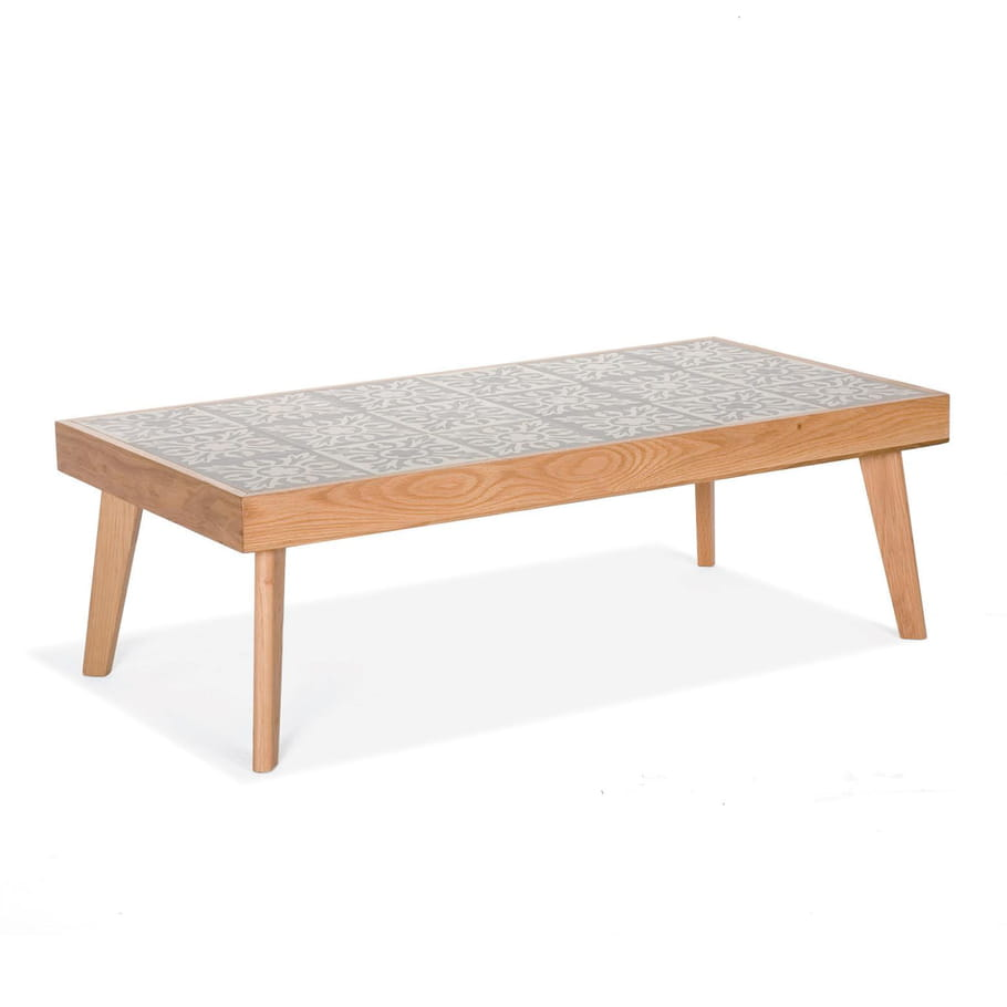 Une table basse carreaux de ciment le carreau de ciment for Table de jardin en ciment