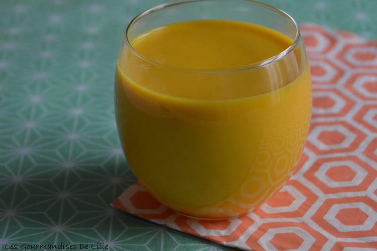 Soupe de carottes au lait de coco et coriandre