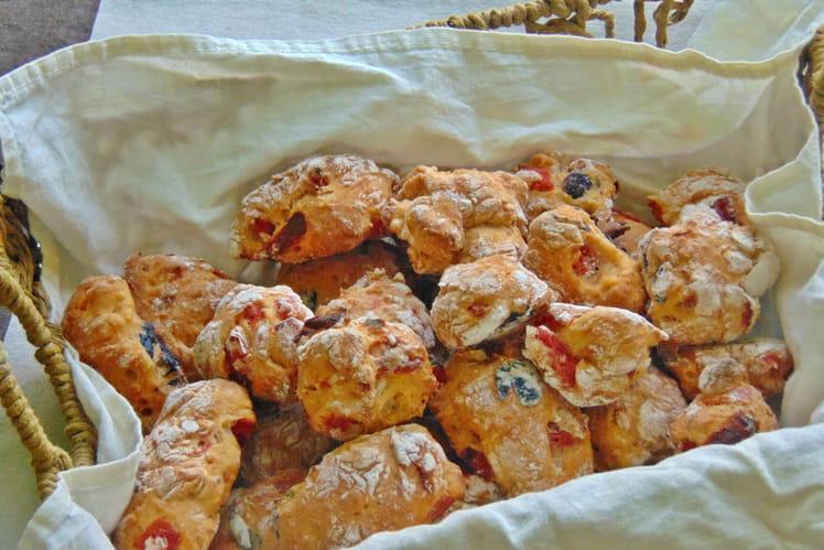 Pizzi leccesi, pains farcis italiens
