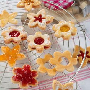 sablés aux confitures abricots, pêches, fraises et groseilles bonne maman
