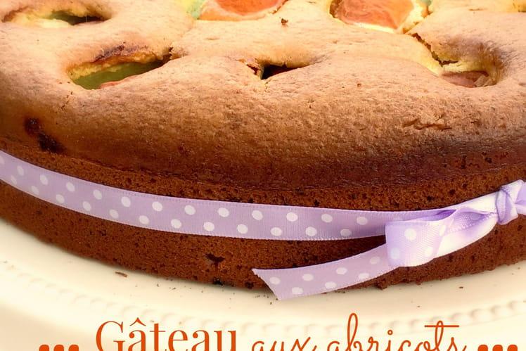 Gâteau aux abricots et pistache