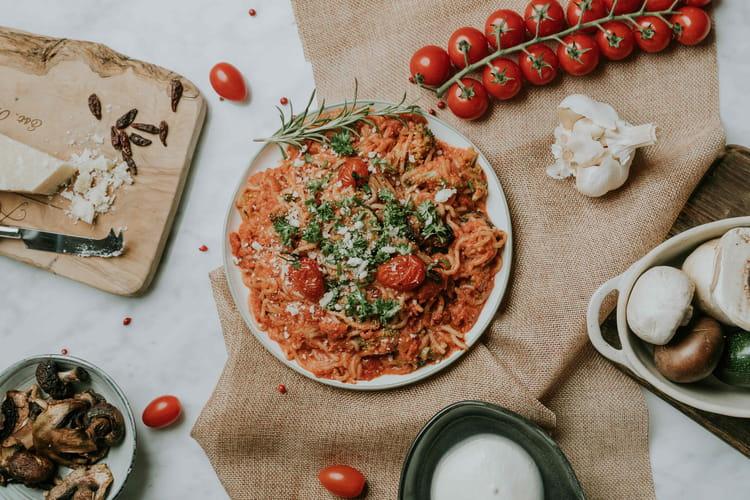 Spaghetti sauce tomate, ricotta et courgettes