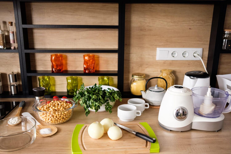 Ustensiles et robots culinaires: lequel choisir?