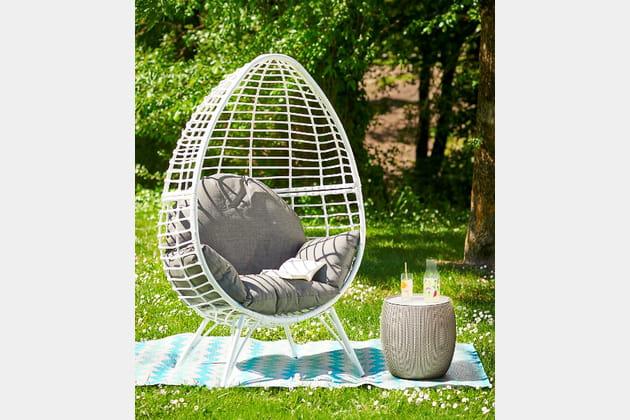 fauteuil uf blanc de gifi. Black Bedroom Furniture Sets. Home Design Ideas