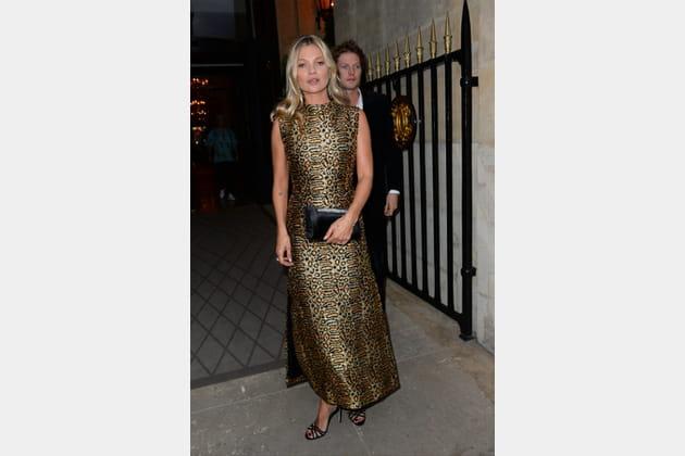 FLOP: Kate Moss en robe léopard