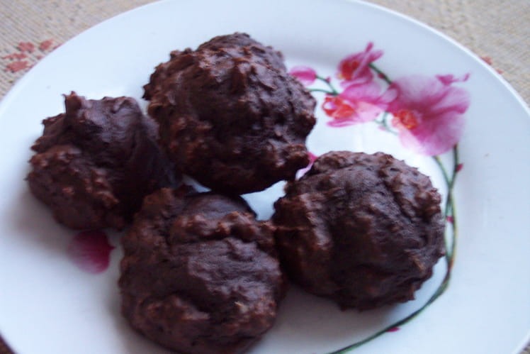 Cookies tout chocolat aux éclats de noisettes