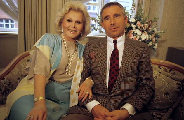 En 1986, avec son 9è et dernier époux Frédéric Von Anhalt