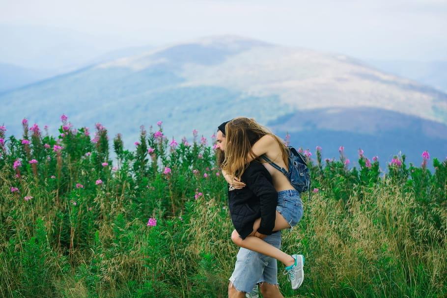 Mariée (et heureuse), j'ai craqué en juillet pour mon guide de haute montagne