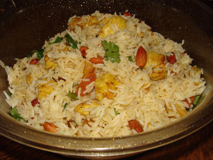recette de salade de riz poulet curry et abricots secs la recette facile. Black Bedroom Furniture Sets. Home Design Ideas