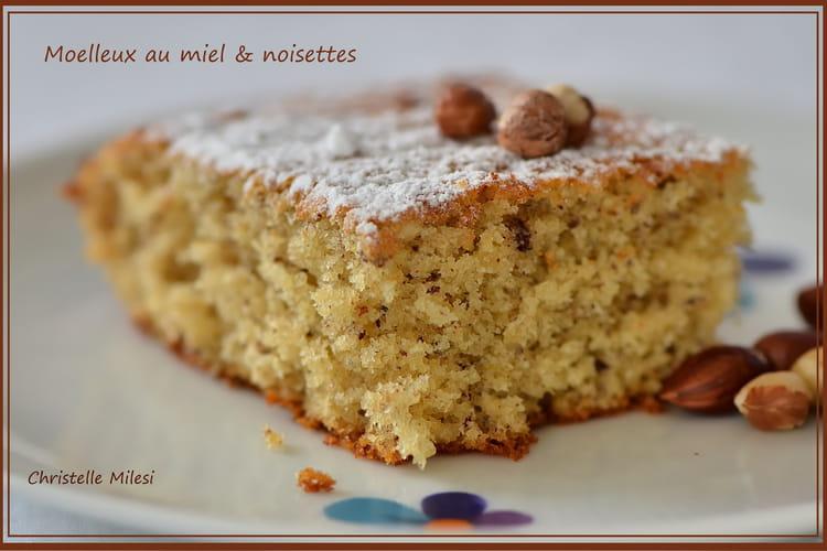 Moelleux au miel & noisettes