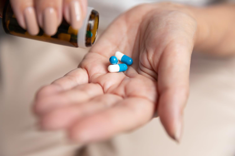 Traitement hormonal de la ménopause (THM): âge, posologie, risques