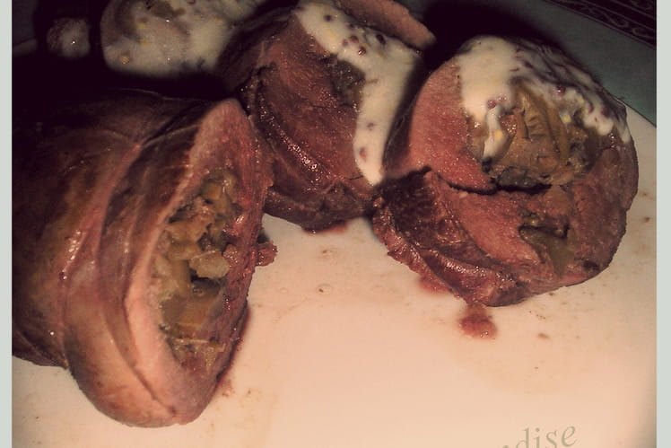 Rôti de magret de canard farci aux champignons