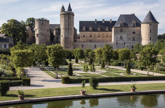 A la découverte de 6jardins avec châteaux tout à fait remarquables!