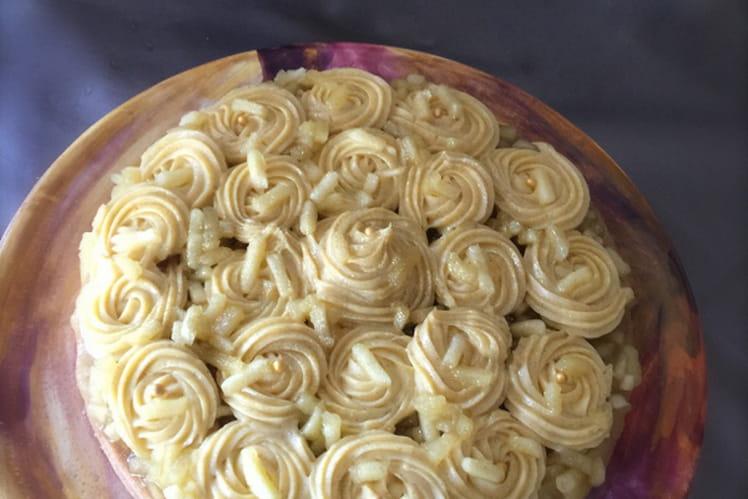Tarte aux pommes en rosace de crème mousseline