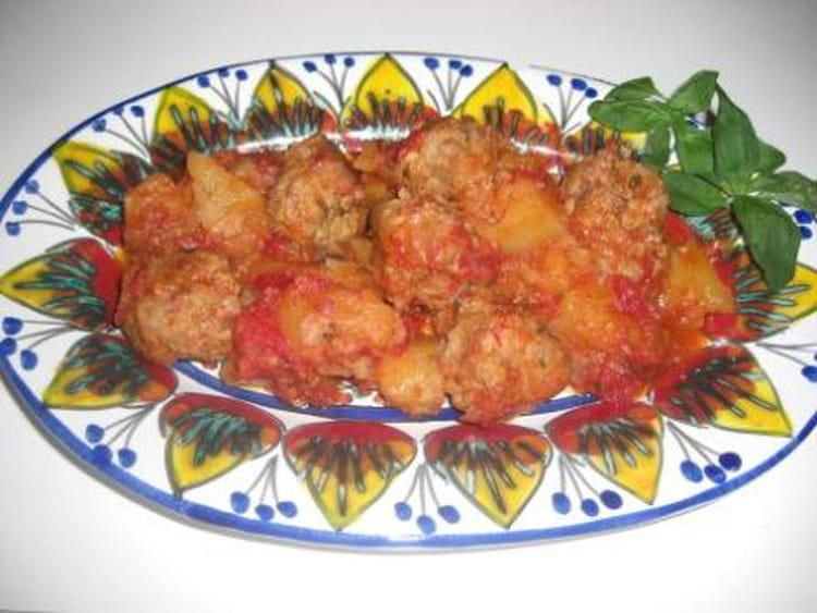 Recette de boulettes de viande en sauce avec pommes de terre la recette facile - Boulette de viande en sauce ...