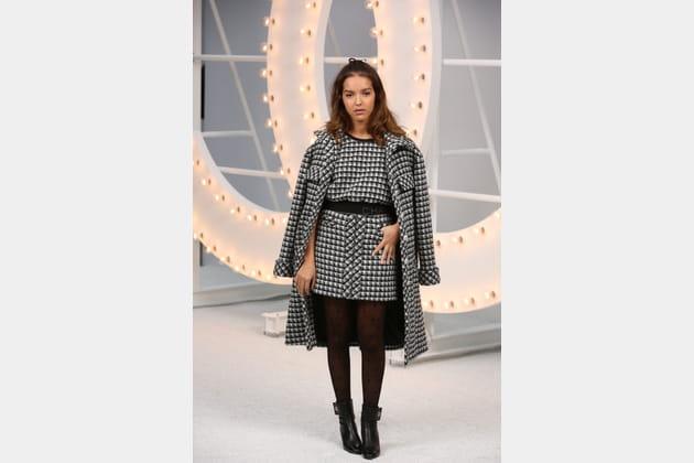 Lyna Khoudri au défilé Chanel