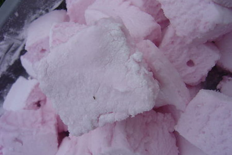 Marshmallows tout roses à la fraise sans glucose