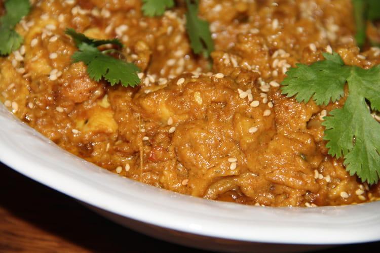 Poulet, sauce cacahuètes et épices