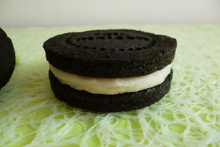 Oréo au cacao noir fourrés coco cookie cream, végan et sans gluten