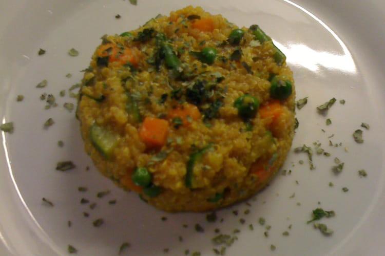 Pilaf de quinoa au curry et aux légumes