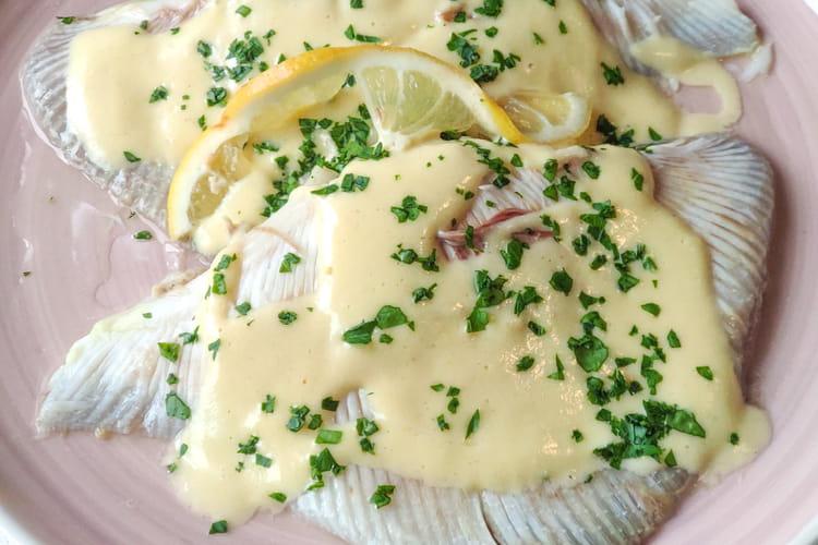 Ailes de raie et sauce au beurre
