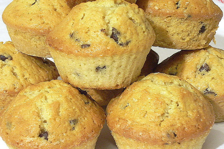 Muffins aux pépites de chocolat et cœur au chocolat au lait