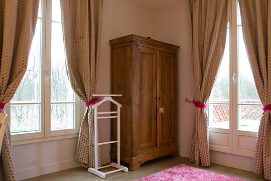 Chambre enfant rose classique