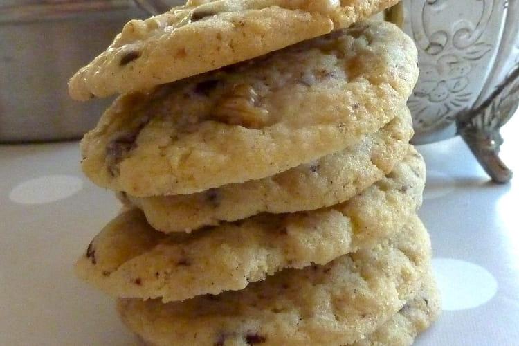 Cookies aux éclats de chocolat noir et aux noix