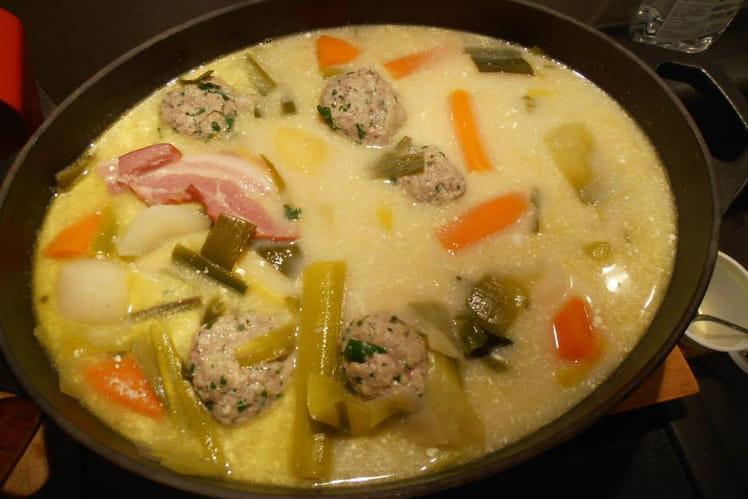 Soupe polonaise aux boulettes