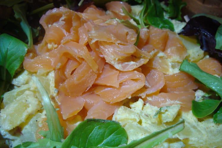 Salade de pommes de terre au saumon sauce curry