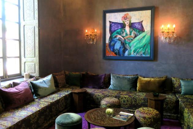 L'accueil des hôtes dans le salon marocain