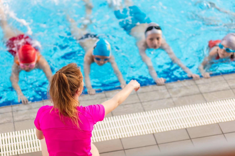 Apprendre à nager: à quel âge initier son enfant, comment?