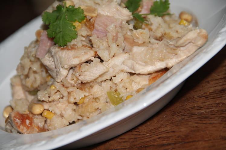 Riz au poulet, jambon blanc et cacahuètes