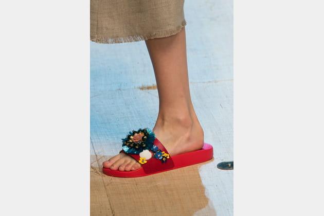 Les claquettes accessoirisées du défilé Dolce & Gabbana