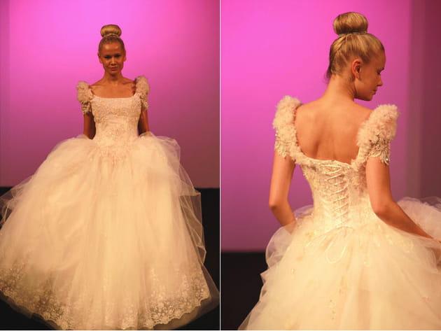tenues Oksana Mukha invitent à la féérie ! Cette véritable robe de ...