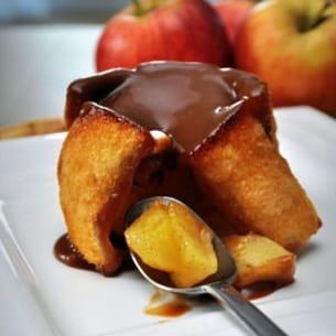 charlotte rustique aux pommes et sa sauce carambar