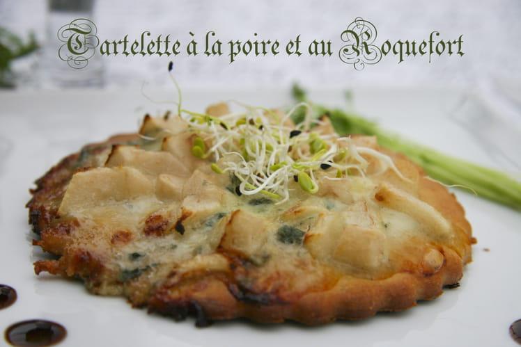 Tartelette sans gluten à la poire et au Roquefort