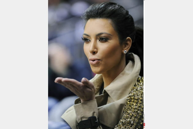 Kim Kardashian joue la touche soft