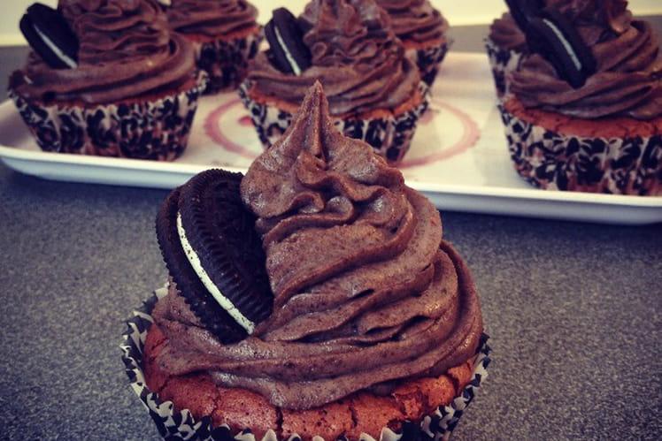 Cupcakes au chocolat et mascarpone aux Oréos