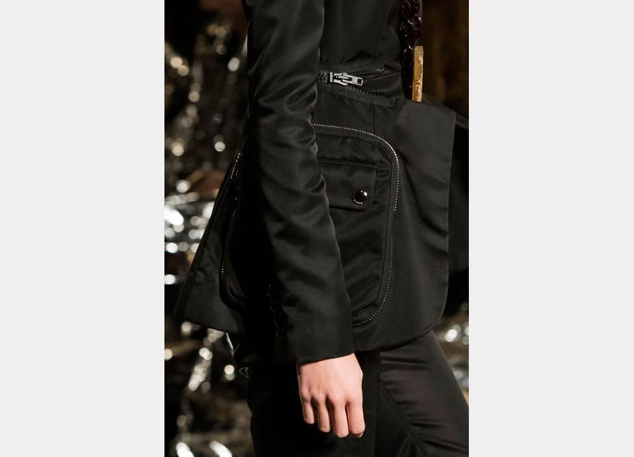 Givenchy (Close Up) - photo 6