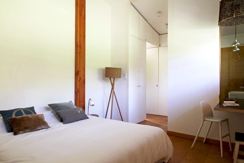 Chambre bois et blanc for Chambre bois blanc