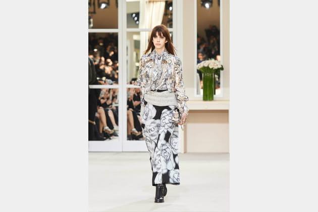 Le total look camélia du défilé prêt-à-porter automne-hiver 2016-2017